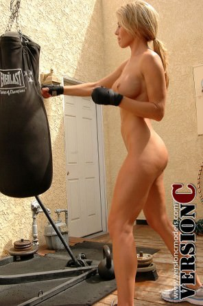 mbr_randimoore_fitness_boxing_set1_017