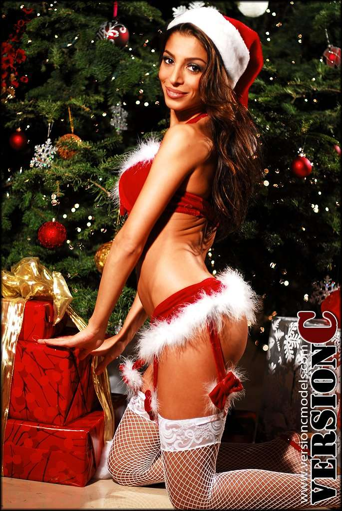 Bella Tatarian - All I want for Christmas - 61 images