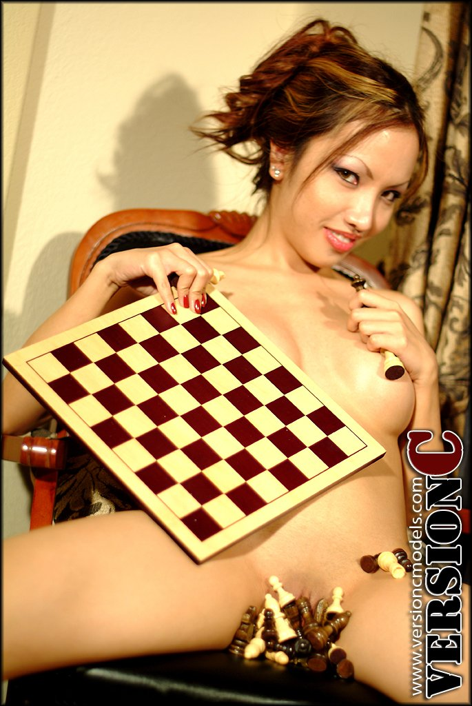 Lily Nguyen: Checkmate set 2 – 56 images