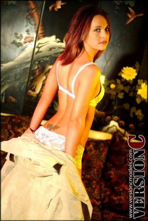 Samantha Ryans: Off Duty set 1 – 68 images