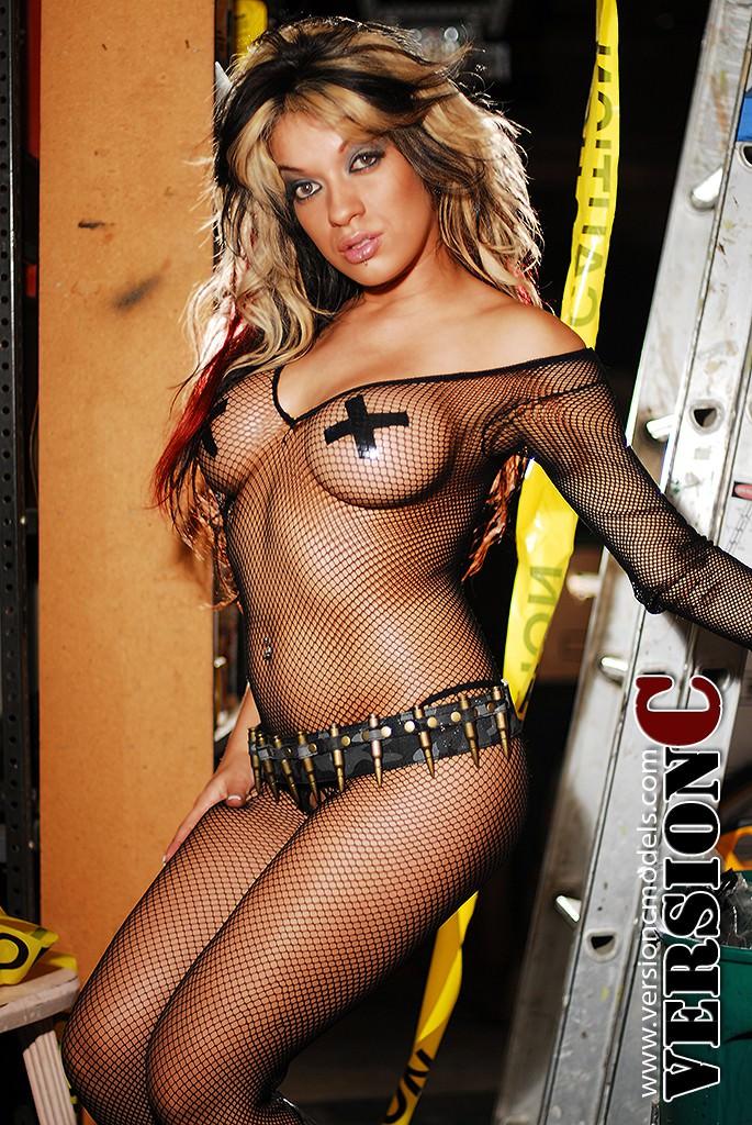 Ashley Peaches: Danger Zone set 1 – 40 images