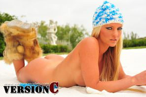 Holliann Locke: Sand Bunny set 3 - 66 images (Exclusive Nudes)