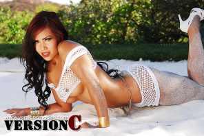 Desiree Deleon: Sand and Heels set 1 - 40 images (Exclusive Nudes)