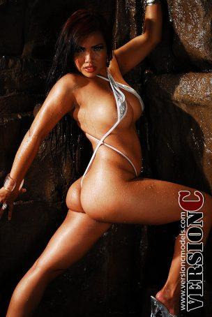 Desiree Deleon: Wet Cave set 1 - 45 images