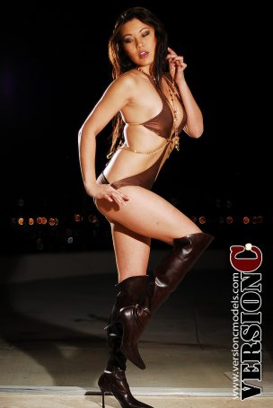Lisa Fleming: Bikini and Boots set 1 - 52 images