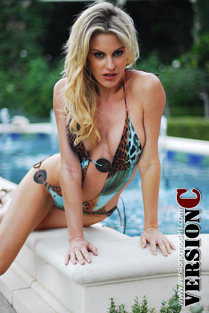 Meriah Nelson: Fountain Bikini set 1 - 62 images