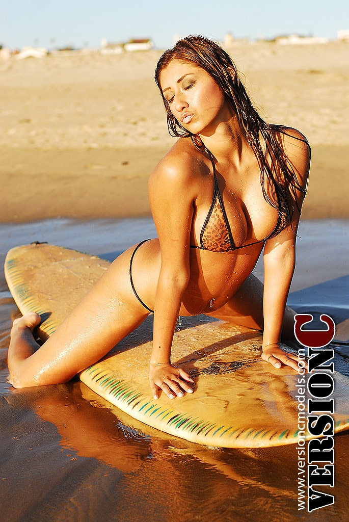 Sumlee Anderson: Surfer Girl set 1 - 55 images (Exclusive Nudes)