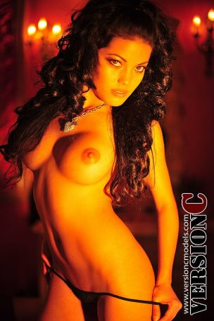 Tracy Nova: Red Fiery Glow set 3 – 64 images
